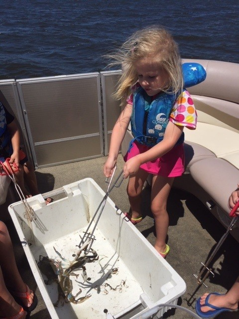 Outer Banks Family Crabbing / Shrimping / Excursions