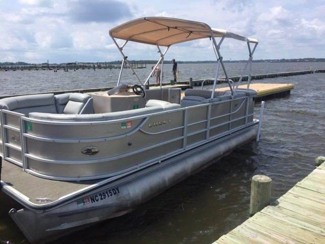Outer Banks Pontoon Boat Rentals / 4 Hour / Daily